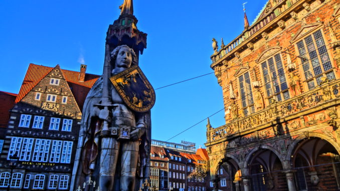 "Bremen's historic town centre and its very own ""Medieval Statue of Liberty"", also known as ""the Roland""!"